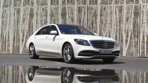 全新奔驰S 560 外观设计耀眼钻石白