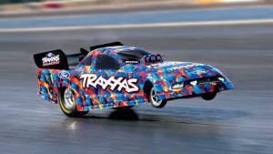 Traxxas遥控车对决赛 直线竞速一决高下
