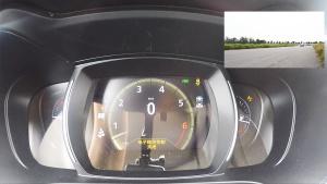 雷诺科雷傲SUV 加速仪表盘视角