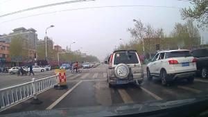 左转车道如何直行,不违规