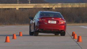 丰田凯美瑞超级评测紧急变线测试