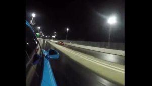 谁更快? 911 Turbo S vs. 720