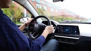 新特DEV1试装车驾驶体验