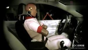 雪佛兰探界者侧面碰撞测试,你给它的安全性打几分?
