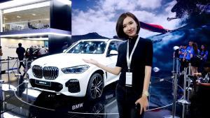 BMW产品线第一款SUV又双叒叕换代了—全新宝马X5