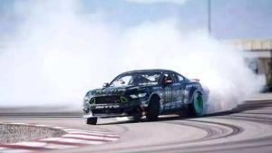 汽车玩家的最爱,烧胎起步!弹射推背感体验过吗?
