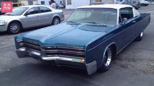 1968年的克莱斯勒300一起欣赏老车