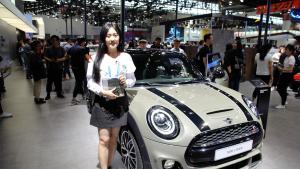 兮有视频孟莹抢先报道全球首发新款 MINI五门版车型