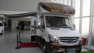展厅实拍现车 奔驰畅途房车 纯奔驰房车带床带卫生间