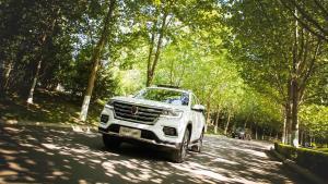 科技与豪华加持的20万级别国产大七座SUV荣威RX8