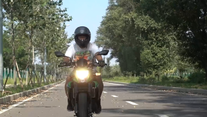 汽车驾驶员该如何与摩托车更好的共享道路