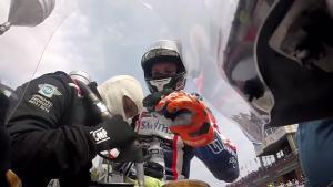赛车比赛你见过怎么加油,摩托车呢?你见过吗