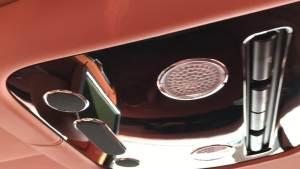 2018款宾利飞驰V8S属于宾利车系的指定款整车亮相天津