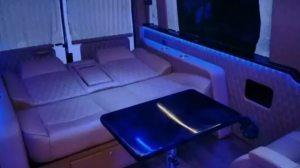 改个车:福特新世代房车改装案例升级,水滴灯好美!