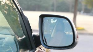 冬天停车折叠后视镜会有哪些危害?看完别再做了