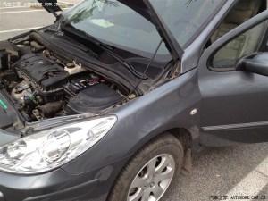汽车出现这几种征兆,说明蓄电池有问题了,别再开了
