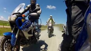 骑着雅马哈在新西兰的冒险