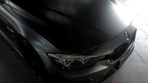 合正:宝马320改装案例,磨砂灰车身,回头率超高