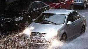 高速开车遇暴雨怎么办?不要慌,牢记这5条经验