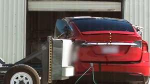 特斯拉Model X是第一辆通过碰撞测试评级的SUV