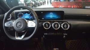 车视探店|搭载1.3T/2.0T发动机,目前最便宜的奔驰车型