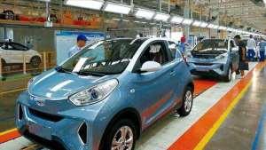 准备买车的看看,纯电动车到底能比燃油车省多少钱?车主算了笔账