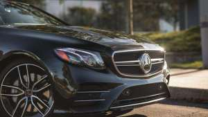 奔驰AMG E53内饰实拍:氛围灯撑起一半天,论奔驰的豪华感塑造