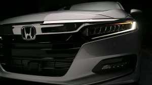本田2020款雅阁ACCORD 提供油电混合车型和汽油车型