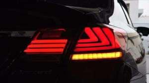 为什么汽车尾灯是红色,转向灯却是黄色?一次给你讲清楚