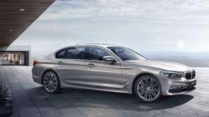 新款宝马5系能否在豪华品牌轿车市场中重夺榜首?今天来聊聊。