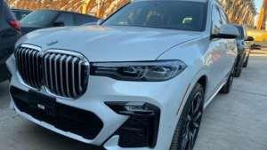 新款宝马X7:外观漂亮气场强大,超高配置诠释豪华SUV新高度