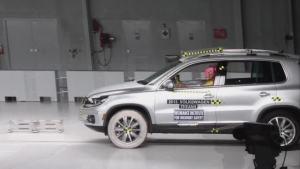 2013款大众途观 正面25%碰撞测试