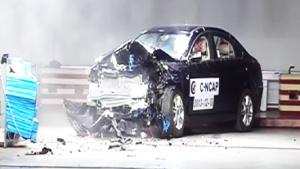 奇瑞瑞麒G5 C-NCAP安全测试40%偏置碰撞