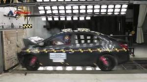 2014款丰田卡罗拉 正面碰撞测试