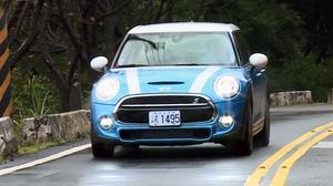 后排宽敞 行车纪录趣试驾MINI五门版