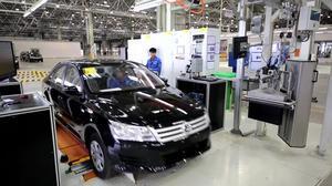 上海大众新疆工厂 全新桑塔纳生产过程