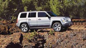 2014款进口Jeep自由客 经典前脸设计