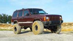 Jeep切诺基越野挑战 暴力攀爬秀性能