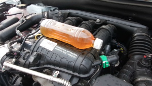 实测三缸发动机抖动:发动机舱内明显车内感觉轻微