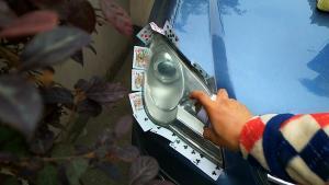 车灯修复术,汽车灯罩原来还可以恢复如新