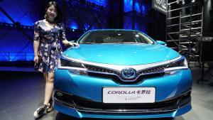 2018广州车展 丸子抢先体验一汽丰田卡罗拉双擎E+