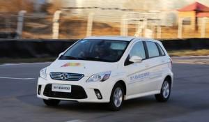 7月新能源车产量达2万辆 同比增长2.5倍