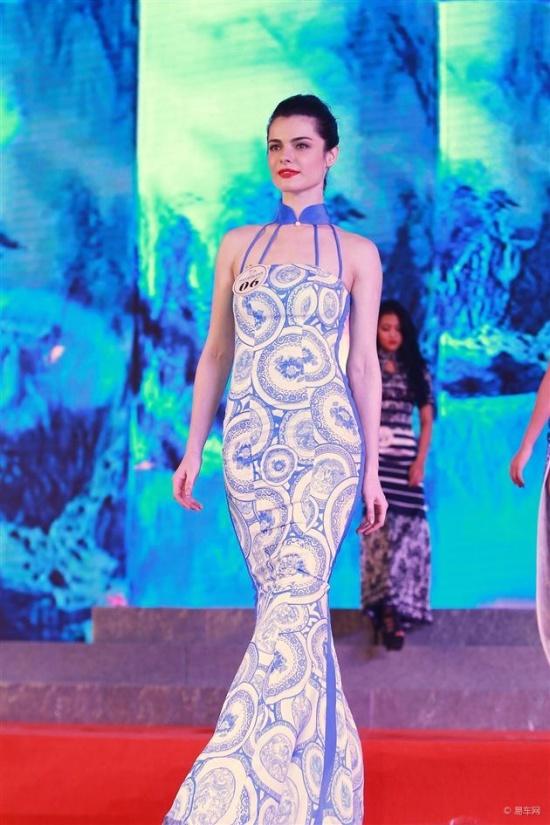 旗袍服装设计师